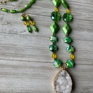 Long green glass and gemstone pendant necklace set